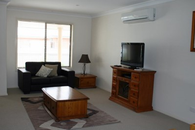 1 Bedroom Apartment - 6 Railway Street