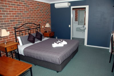 Standard Queen Suite (2-Night Stay)