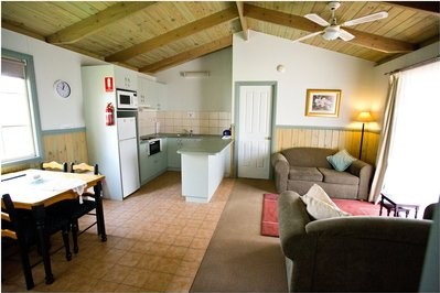 2 Bdrm Self-Contained Cottage 3 Nights +
